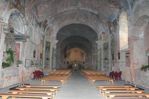 Crkva iznutra od 1998. do 2008. godine.