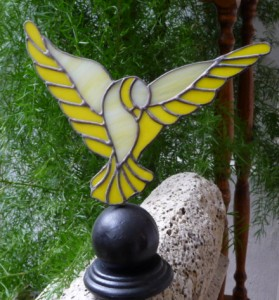 Golub mira spreman za polijetanje - jedan od modela za prvu statuu Bonofesta